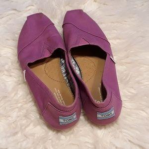 Purple toms